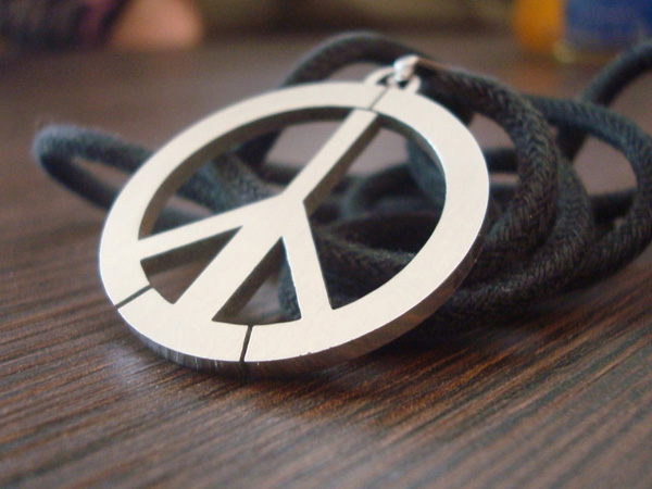 Pendant Peace Sign
