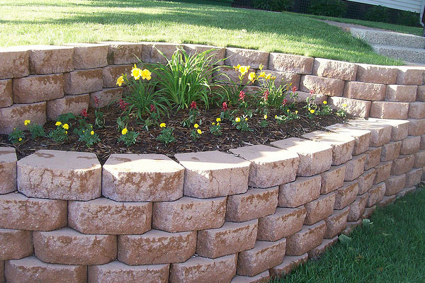 Retaining Wall Pattern Play