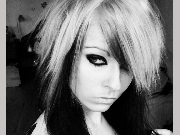 black and white 35 Charming Scene Hairstyles For Girls
