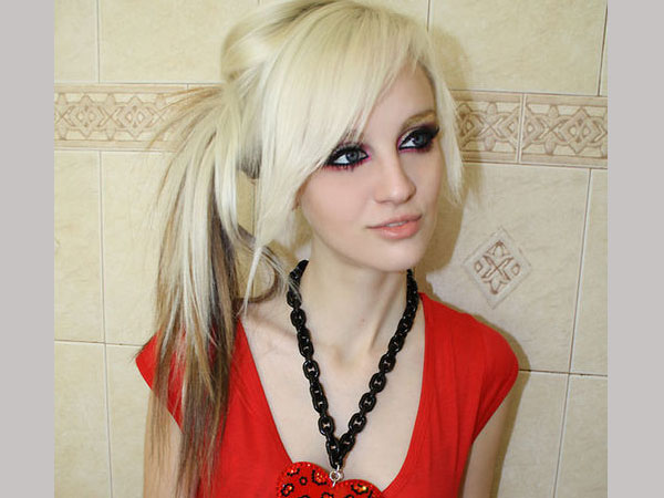 peace out 35 Charming Scene Hairstyles For Girls