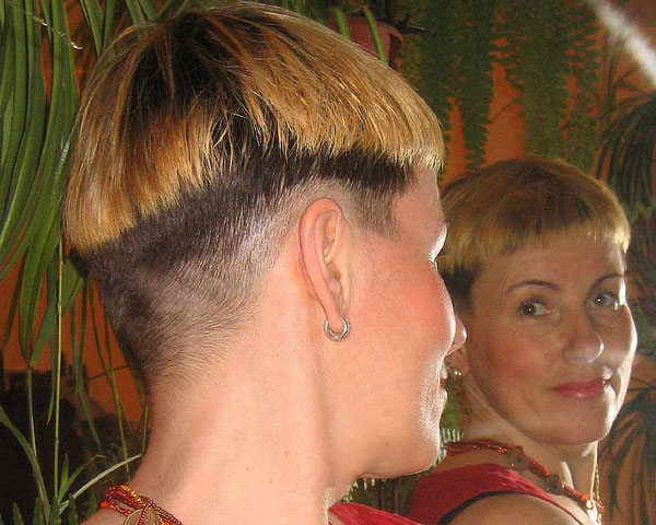bowlcut hairstyle 25 Glamorous Shaved Hairstyles For Women