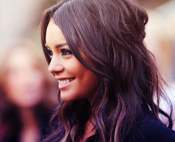 Vanessa Colored Hair Picture