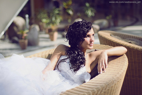 Curly and Whirly Vintage Bride