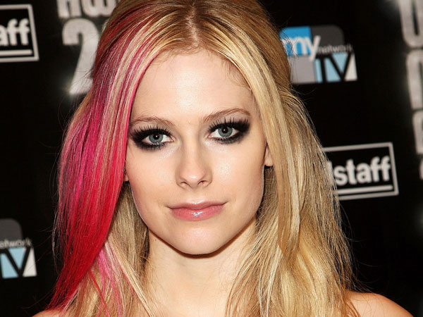 world music awards 25 Superb Avril Lavigne Pictures