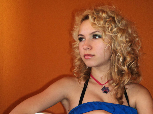 Divinely Easy Curly Hairstyle
