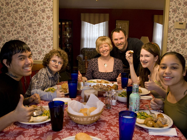 Family Dinner Picture Idea