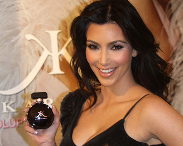 black dress 25 Impressive Kim Kardashian Hair Color Ideas