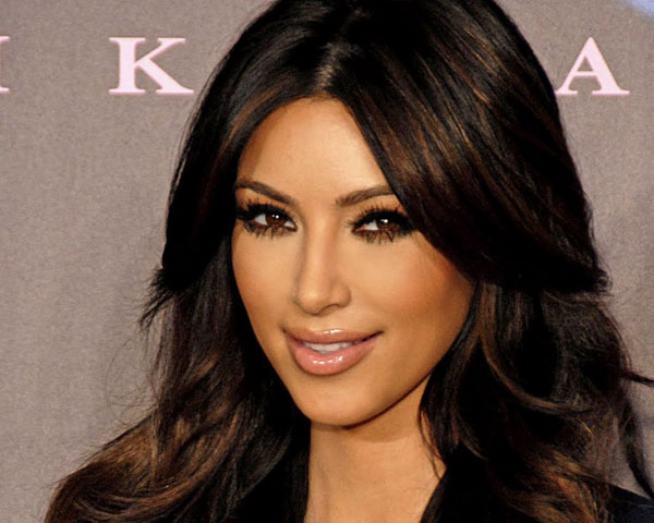 layered hair 25 Impressive Kim Kardashian Hair Color Ideas
