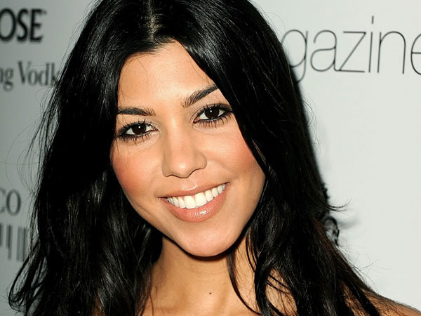 kourtney kardashian closeup 25 Glamorous Kourtney Kardashian Pictures