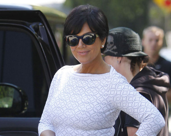 white dress 25 Super Sexy Kris Jenner Haircut Styles