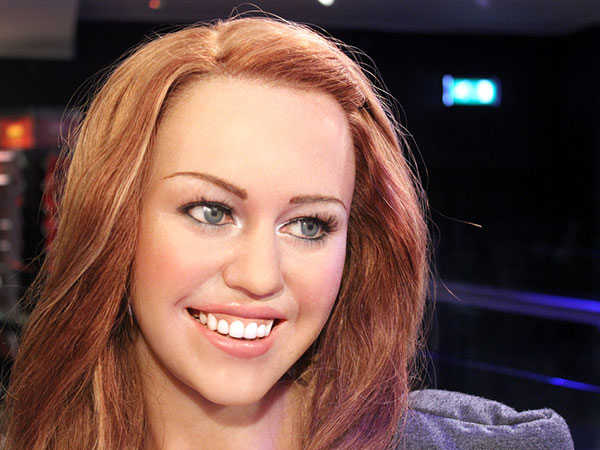 Coppery Hair Miley Cyrus