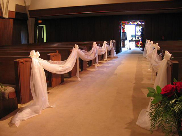aisle pew decor 25 Attractive Pew Decorations For Weddings