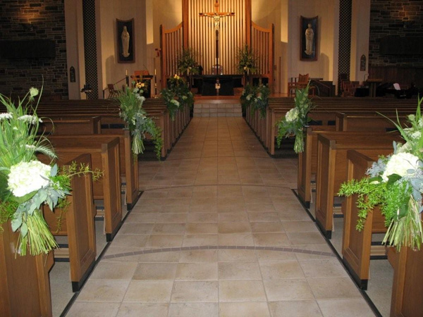 hand tied pew decorations 25 Attractive Pew Decorations For Weddings