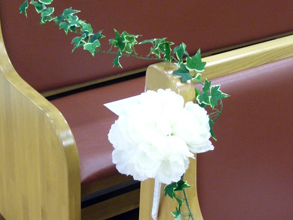 new pew decorations 25 Attractive Pew Decorations For Weddings