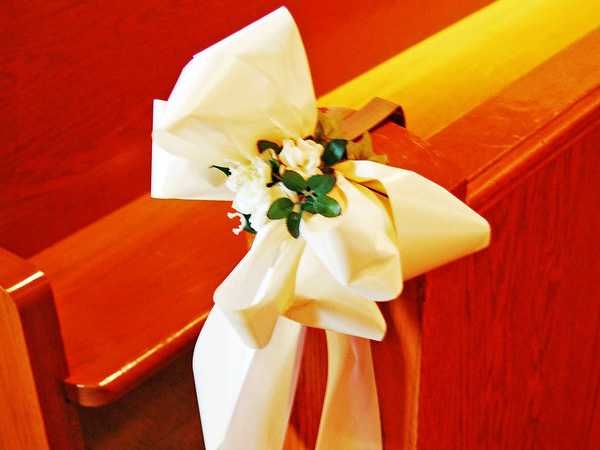 pew decor idea 25 Attractive Pew Decorations For Weddings