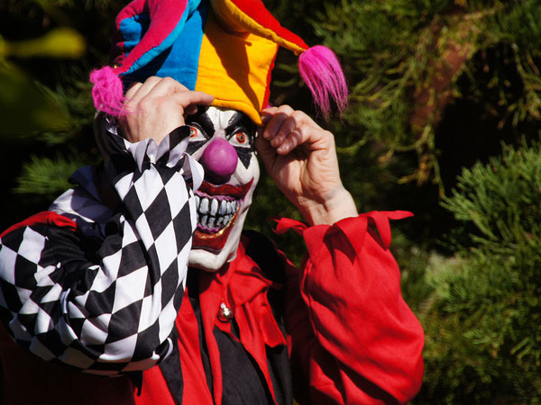scary clown alert 25 Exceptional Scary Clown Pictures