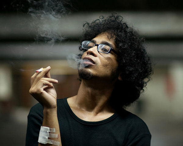 smoking 25 Pretty Short Afro Hairstyles