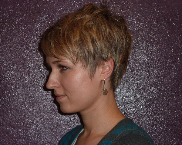 Very Short Layered Hairstyles with Bangs
