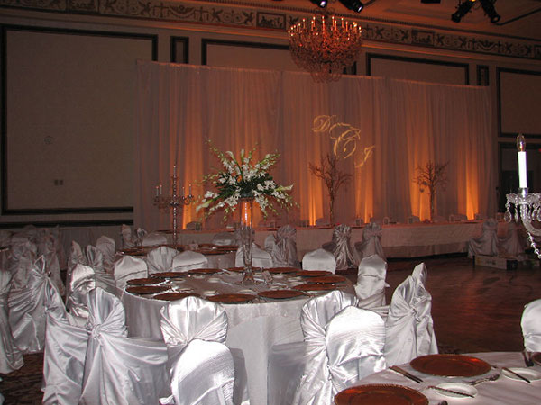 cool centerpieces 25 Oustanding Tall Wedding Centerpieces