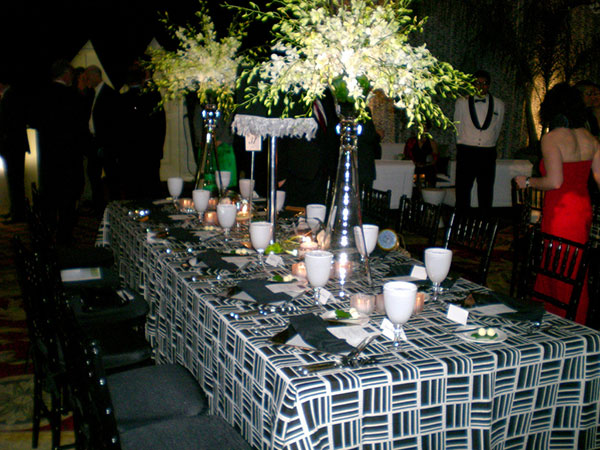 white orchid centerpiece 25 Oustanding Tall Wedding Centerpieces