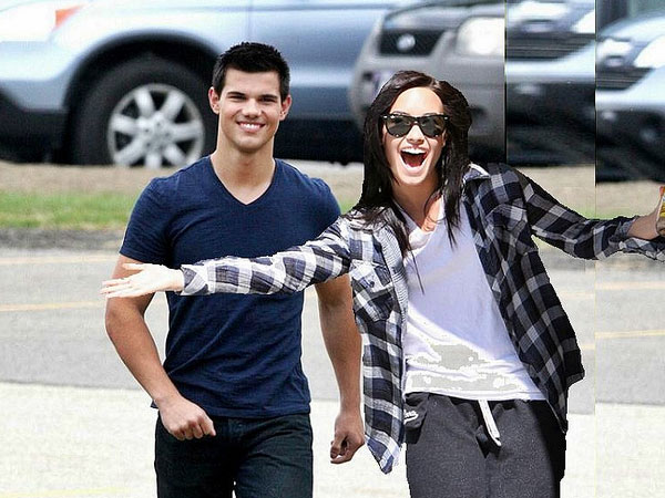 View Taylor Lautner