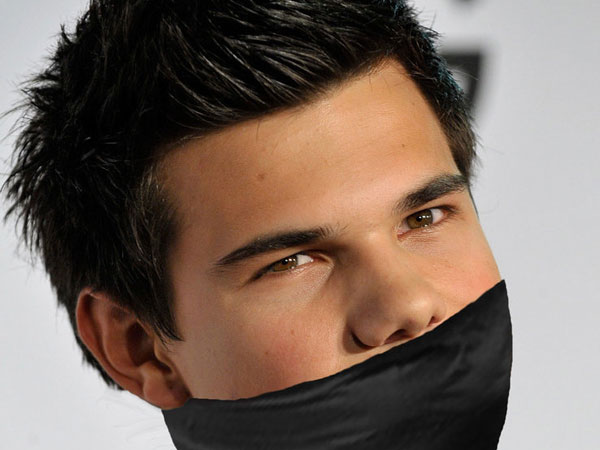 Lautner Awesome Pic