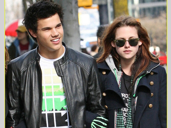 taylor lautner kristen 35 Sexy Taylor Lautner Pictures