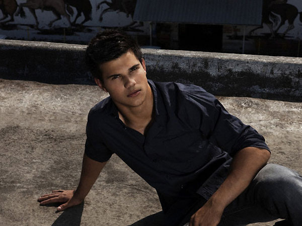 Taylor Lautner Casual Picture