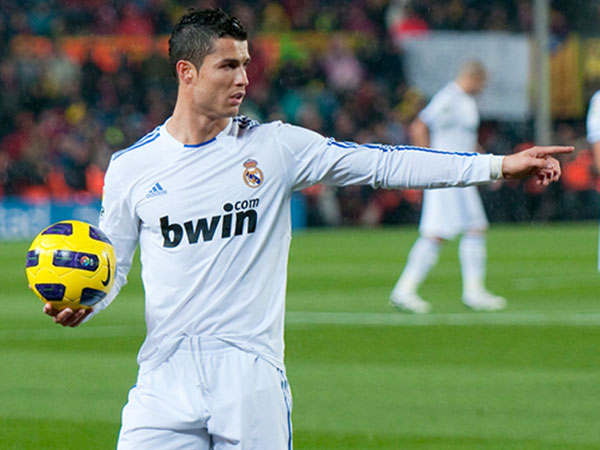 25 Cool Cristiano Ronaldo Hairstyle Collection Slodive