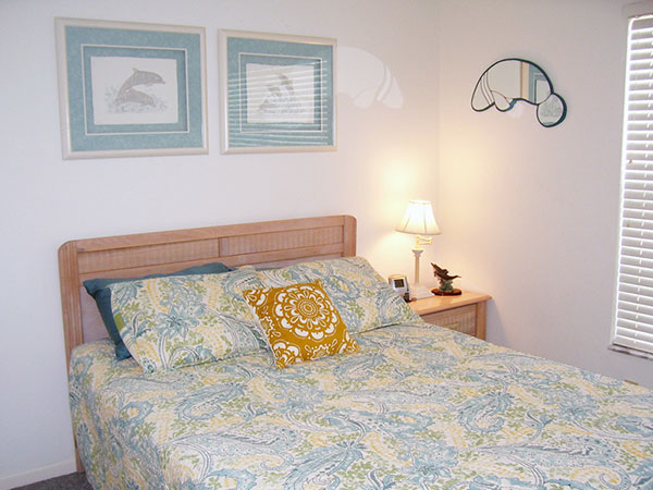 cool guest bedroom 25 Wonderful Guest Bedroom Ideas