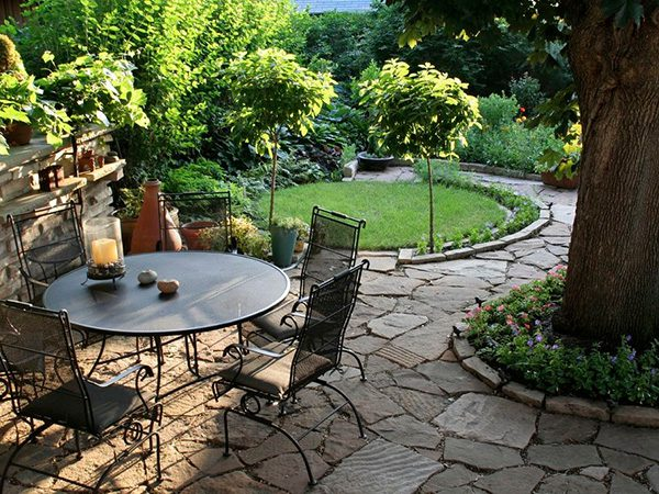 Oval Low Maintenance Landscaping