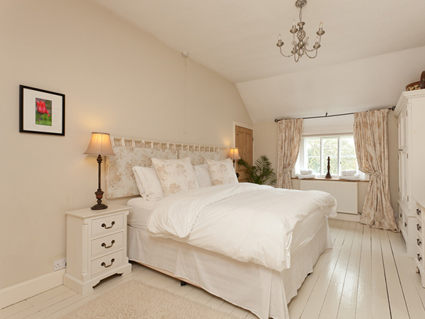bedroom interior 25 Different Shabby Chic Bedroom Ideas