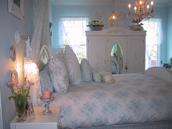 Different Shabby Chic Bedroom Ideas SloDive - Shabby chic bedroom blue