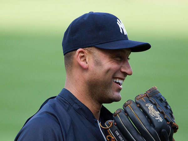 gloves 25 Different Derek Jeter Pictures