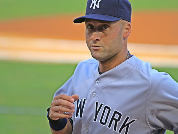 runing 25 Different Derek Jeter Pictures