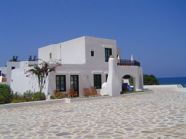 white greek house 27 Elegant Exterior House Color Ideas