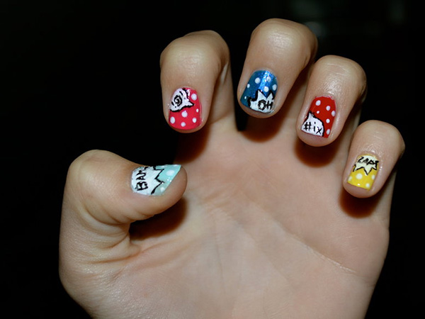 Dots And Comics Nails
