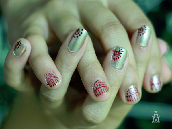 Dots and Lines Nails