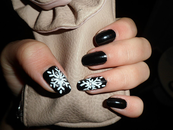 Ornamented Snowflake Nails