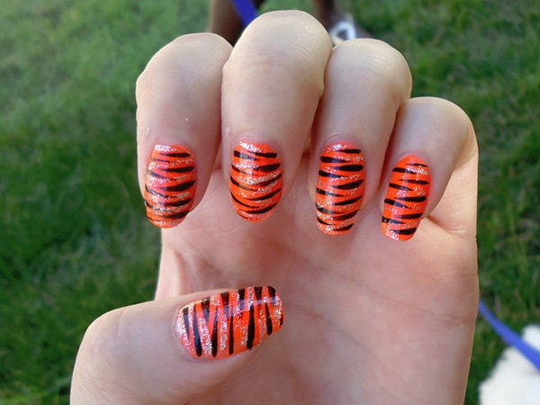Tiger Striped Nails