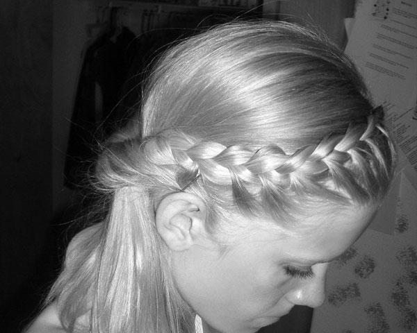 blackwhite 25 Royal Side Braid Hairstyles