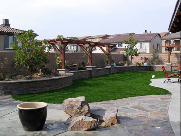 24 Simple Backyard Landscaping Ideas Which Look ... on Simple Backyard Landscaping id=95580