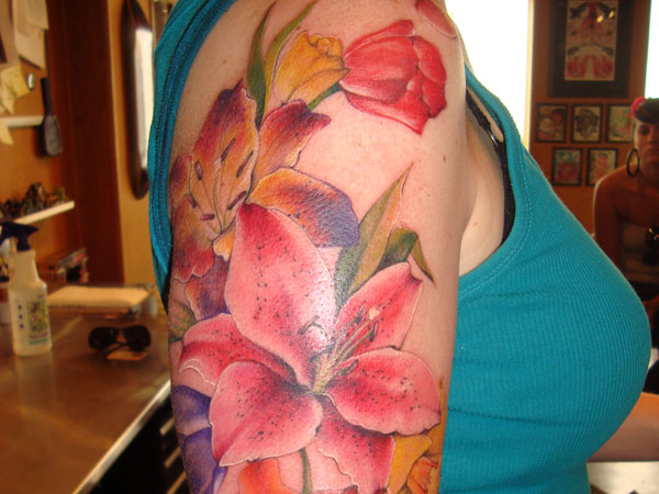 shouldertat 24 Stargazer Lily Tattoos Which Are Completely Different