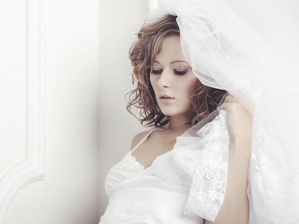 Random Curls Bride