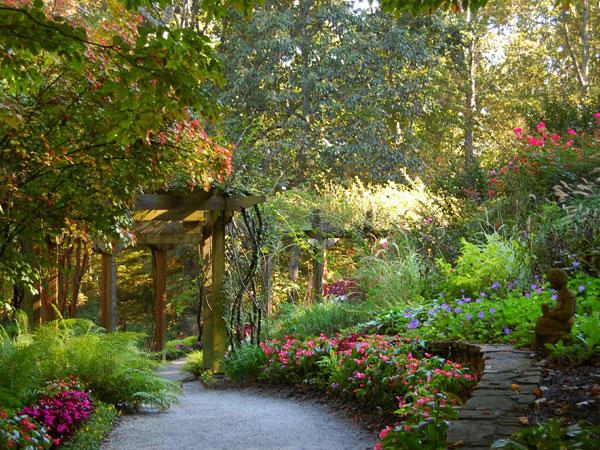 Beautiful Backyard Flower Gardens : Go Back Gt Gallery For Beautiful Backyard Flower Gardens