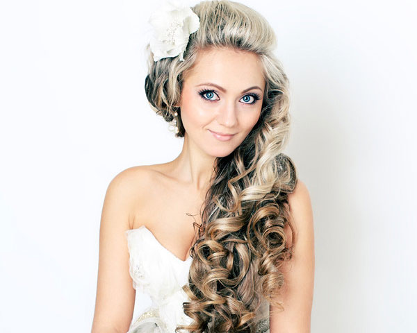 Charming Bridal Hairstyle