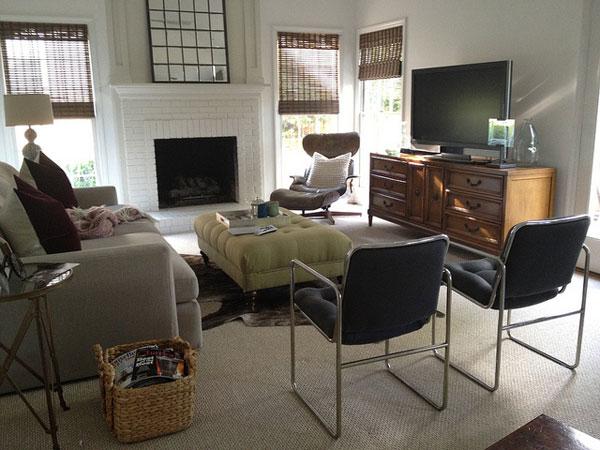 Family Room Minimalist Decor
