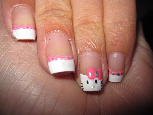 Dainty Hello Kitty Nail