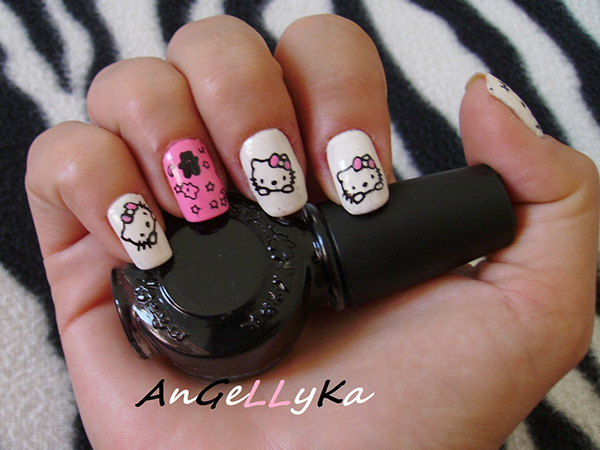 Pretty Hello Kitty Nails
