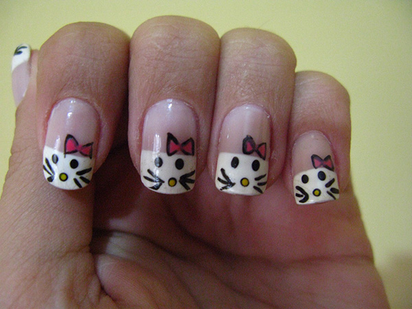 Attractive Hello Kitty Nails